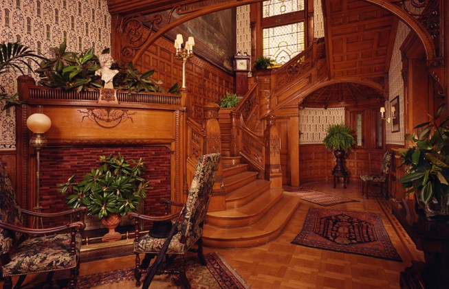 Things to do in Louisville KY: Conrad's Castle