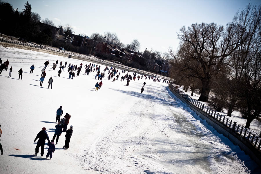 Winterlud-Skating-on-the-Rideau-Canal