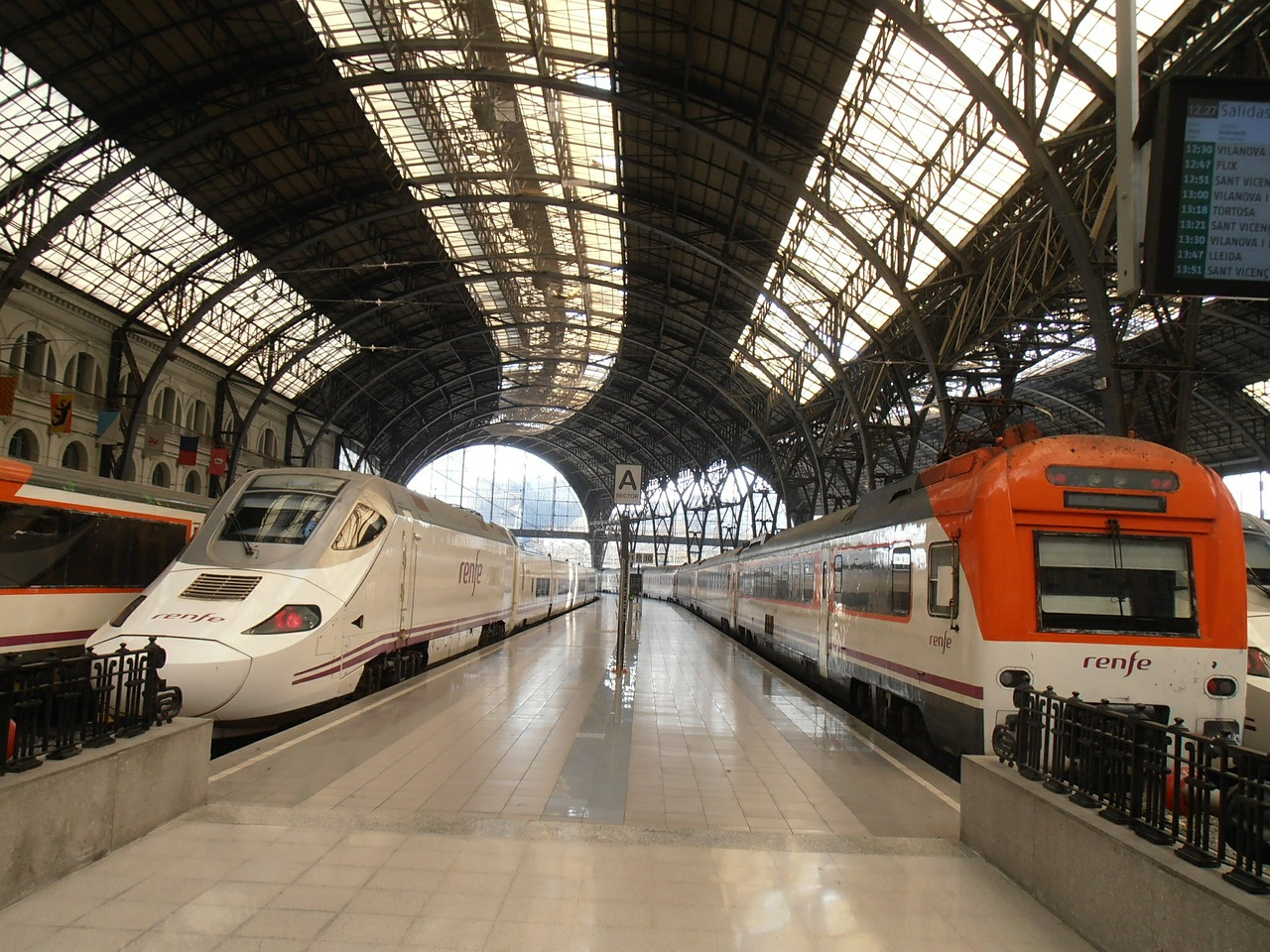 train travel from barcelona to pamplona