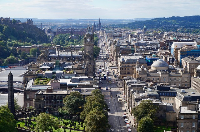 best places to travel in august edinburgh