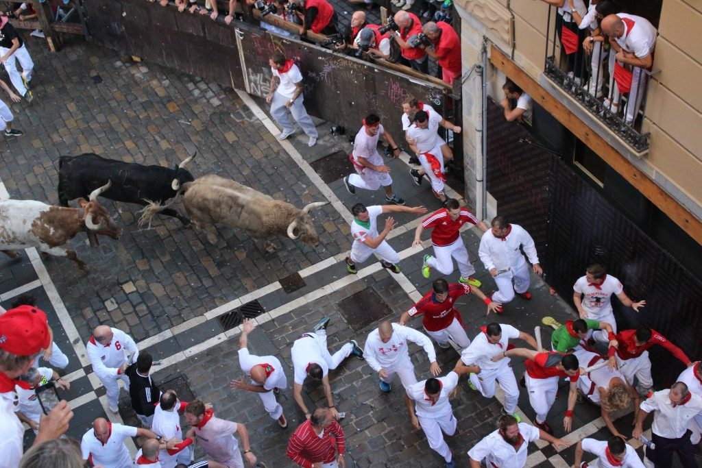 dead man's curve running of the bulls